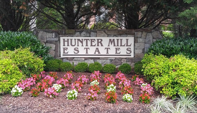 Hunter Mill Estates West Entrance Sign - May 2017 (CLICK ME)